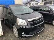 front photo of car ZRR75 - 2010 Toyota NOAH  - BLACK