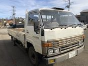 front photo of car BU88 - 1990 Toyota DYNA   - WHITE